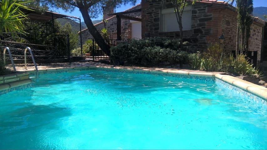 Villa 1-15 p piscine privée jacuzzi intérieur wifi