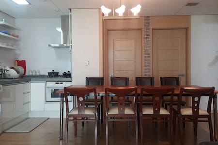 32평 Apt: Room3+Bath2+kitchen+living @subway - Seo-gu