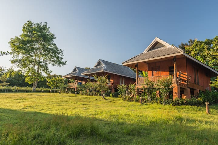 Happy House Bungalows - Mae Hong Son - Bungalov