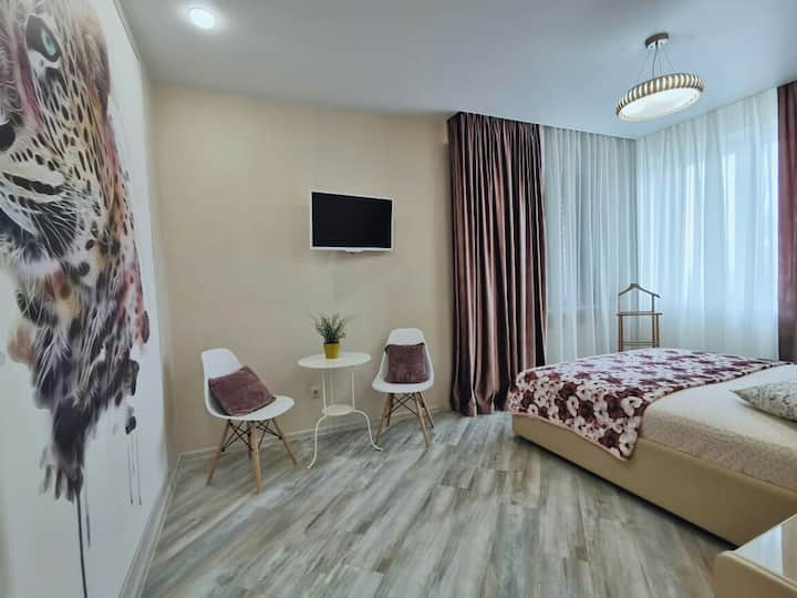 Видовая уютная квартира  на Ново-Садовой 201