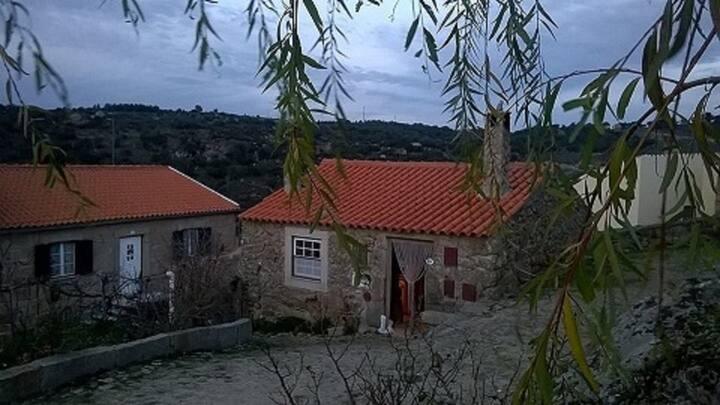 Casa do Corro-Castelo Mendo