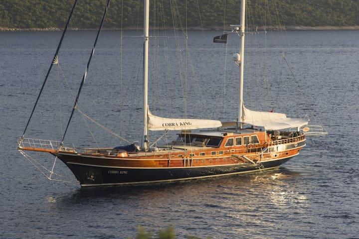 VIP Gulet Yacht Cobra King