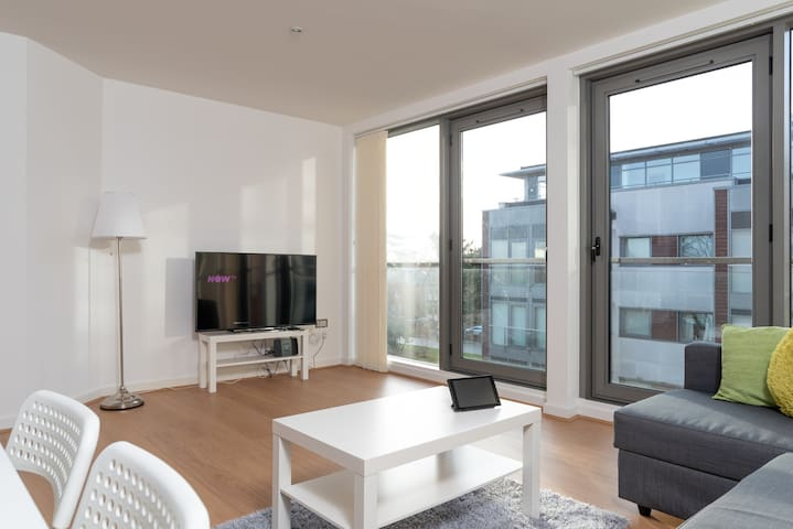 Central Executive, Luxury Long Stay Apartment.