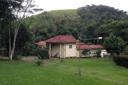 Landhaus mit großzügigen Räume - Mendes - Huis