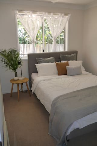 Private and secure unit in Balmoral/Bulimba