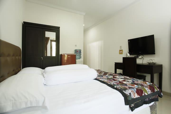 Andelis Homestay - Double Bed Room Breakfast