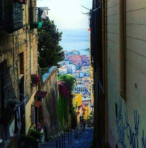 V&v - Napoli - บ้าน