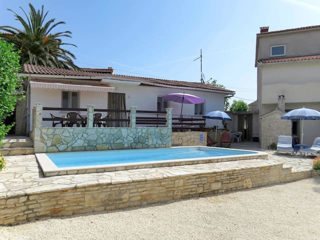 Air conditioned holiday home Franko with pool
