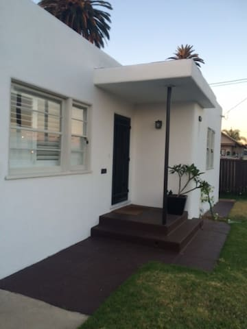 Bungalow Close to Downtown SD/Coronado - National City - Rumah