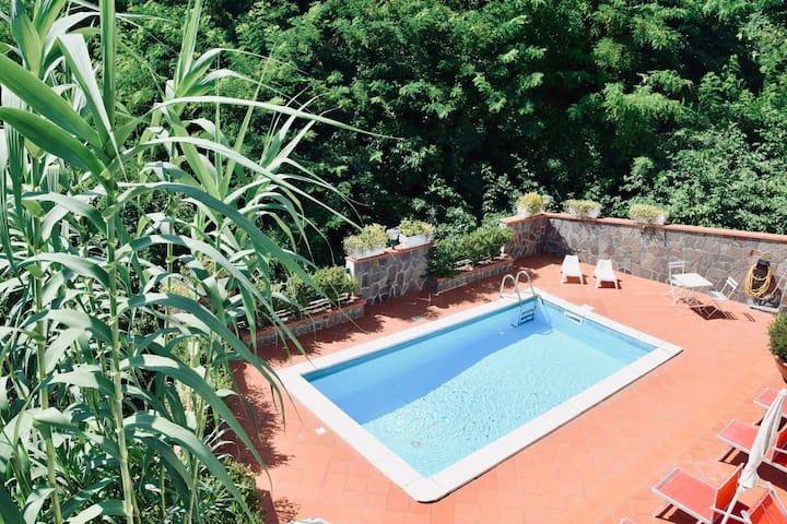 Campinola Holiday Home
