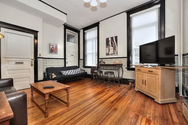 Newly Renovated Loft in the Center of Downtown