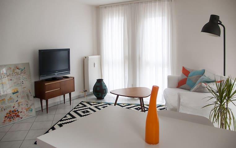 Gemütliche Wohnung mit Terrasse - Bietigheim-Bissingen - Leilighet
