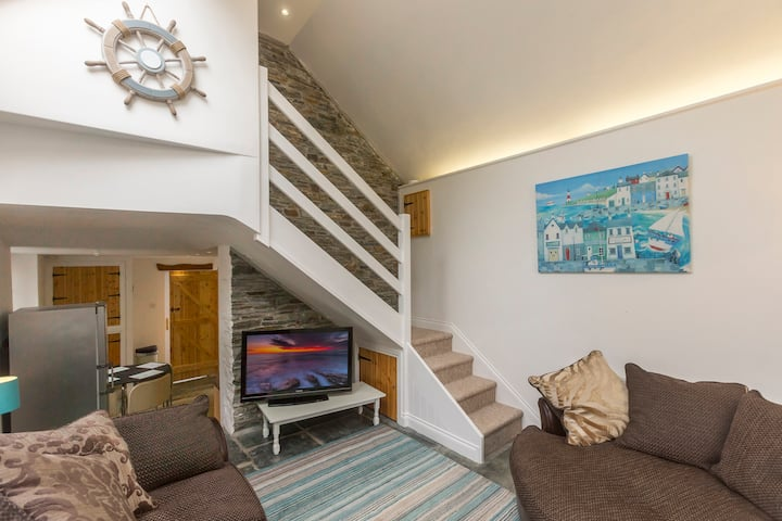 Beautiful light & spacious Cottage in Boscastle