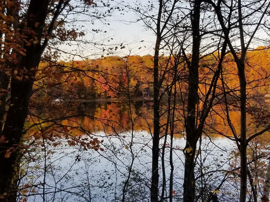 Fall colors on the lakes