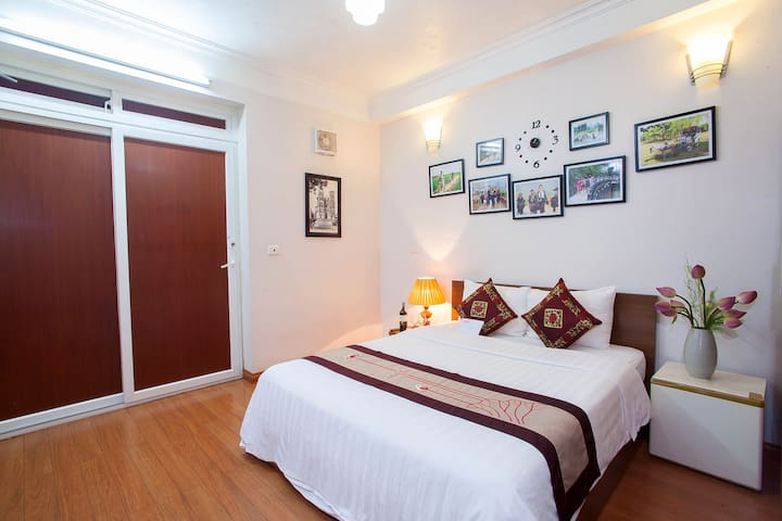 Authentic Homestay: Private Room, Ensuite, BF