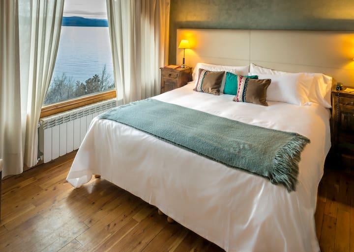 Panoramic Vista Suite: Balcony and Swimming Pool