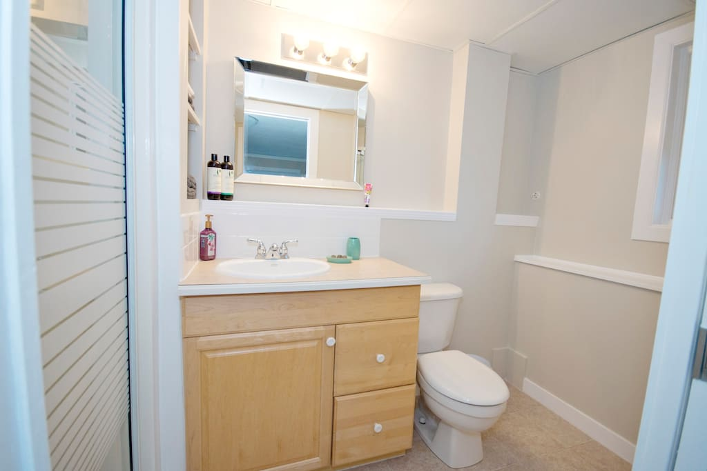 Ensuite bathroom.  Single shower with Rain Shower head.  Shampoo, conditioner, and soap provided.  Hair dryer for use as well.