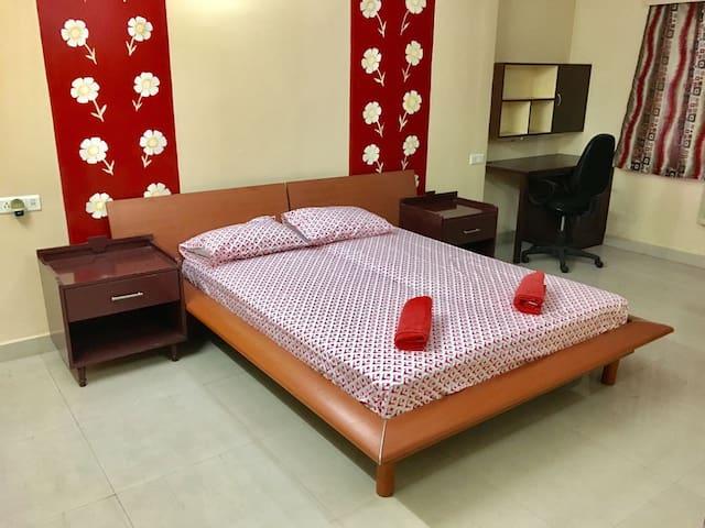 Fully Furnished 3BHK apartment opp. Public Garden - Hyderabad - Apartamento