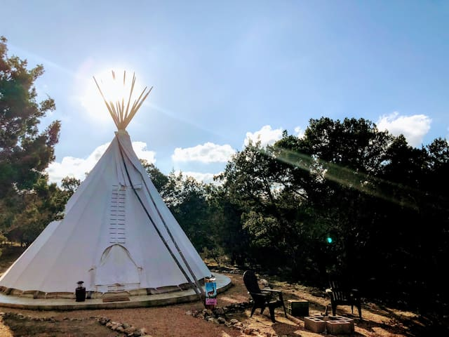 El Venado is located right behind the bathhouse. This tipi is perfect for someone who does not want to be far from the amenities.