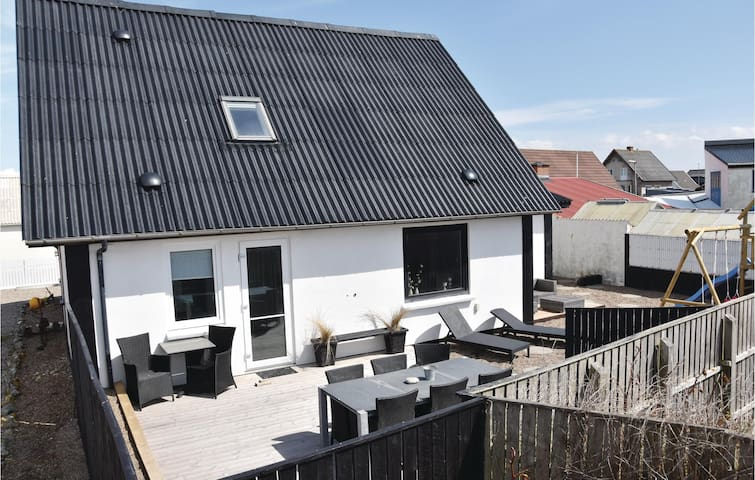 Holiday cottage with 4 bedrooms on 130m² in Thyborøn