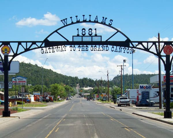 The Grand Canyon Destination - Williams - Hus