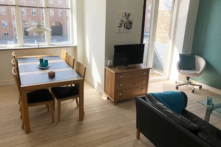 Great bright appartment near center of Aalborg