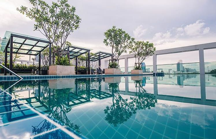 COOL STUDIO -17th FL- FAST WIFI - POOL & GYM - MRT - Bangkok - Appartement
