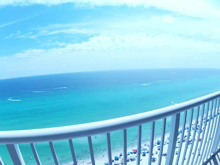 Gulf front gorgeous view & beach lounge (seasonal)