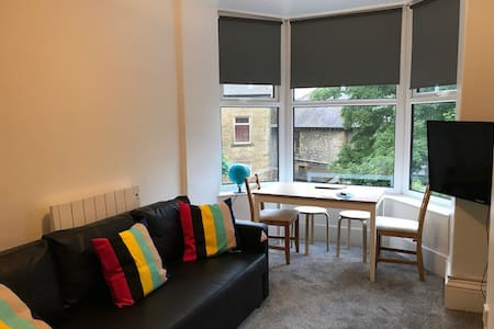 1st Floor 1 bed flat in a Victorian property.