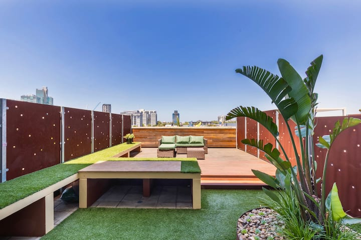 Bright Open Plan Condo⭐️ Large Terrace⭐️ Netflix