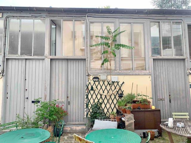 Atelier d'artiste rénové en appartement