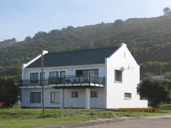Dyk se Dek 67 Gleniqua Ave  Glentana Western Cape