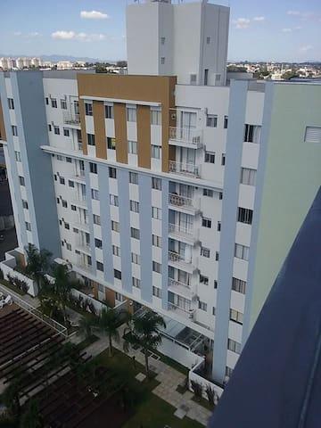 Excelente Apartamento no Capão Raso - Curitiba - Apartment
