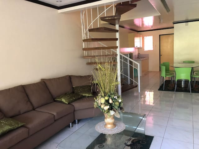 3-room townhouse in Tagaytay
