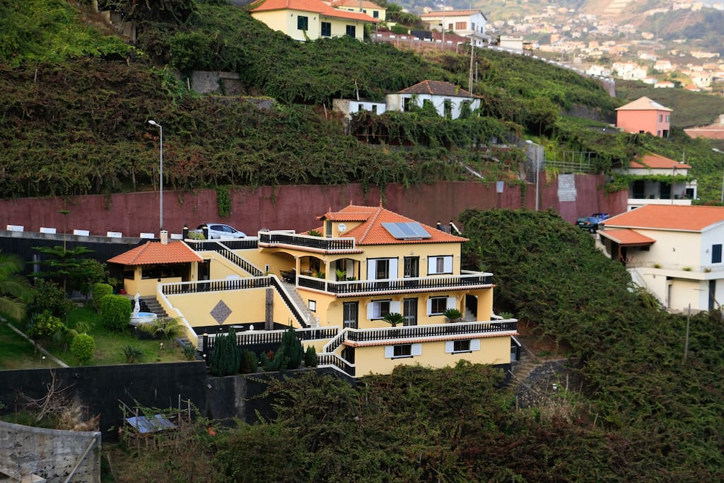 Vista exterior da Villa do Rosal