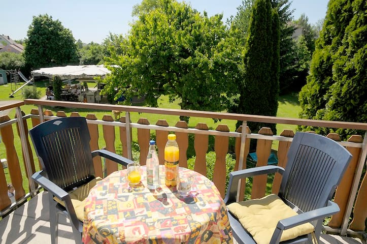 Appartementanlage Marianne (Merkendorf), Ferienwohnung 5 mit Balkon