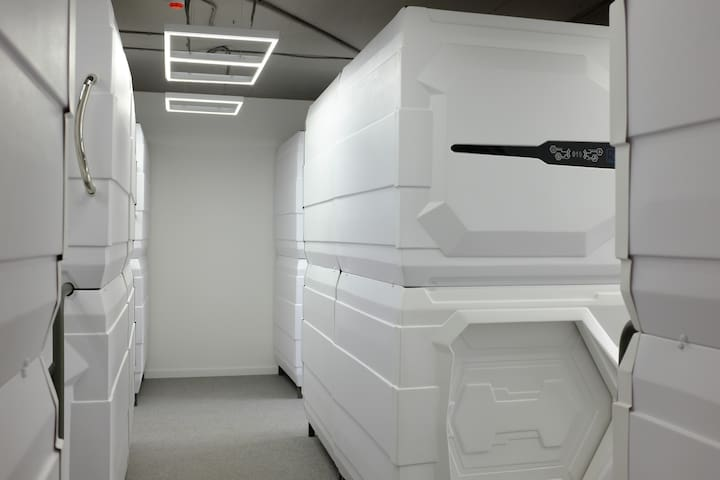 Capsule in big room for man and woman 15