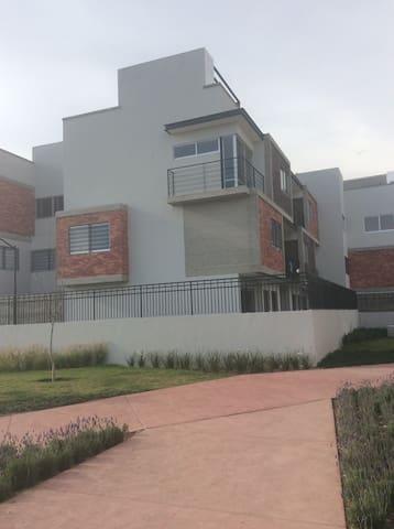 Departamento nuevo muy equipado - TLAQUEPAQUE - Appartement