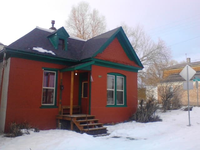 1890's Ophir Addition Two Bedroom