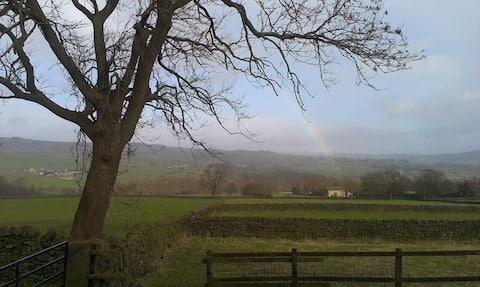 Cosy Nidderdale Cottage (Kestrel)