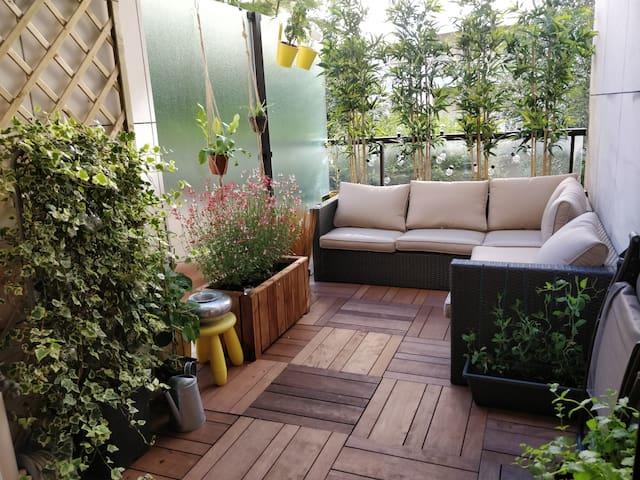 Chambre double avec terrasse privée à 5Min Paris