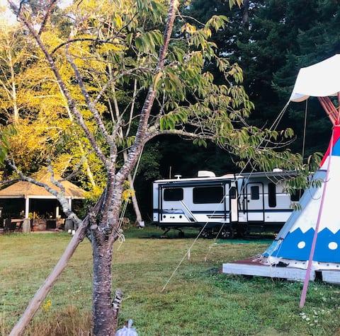 Rvtrailer&Summerhous in redwood forest and farm