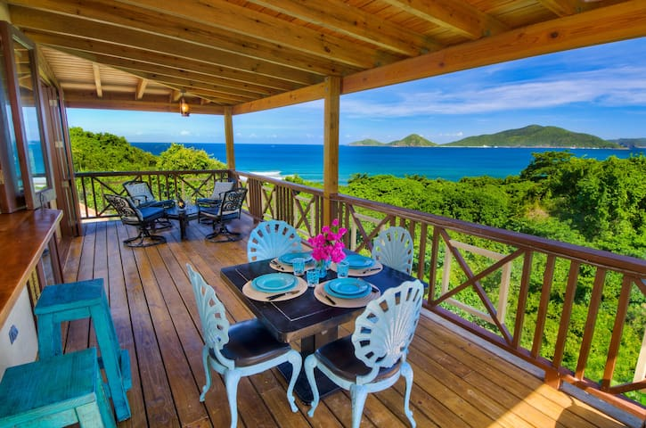 Surfside Gardens - Spectacular Ocean Views - Cooten Bay - Rumah
