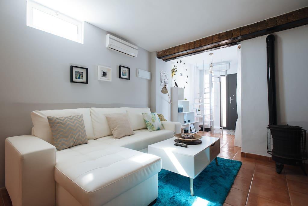 Salón luminoso/Bright living-room