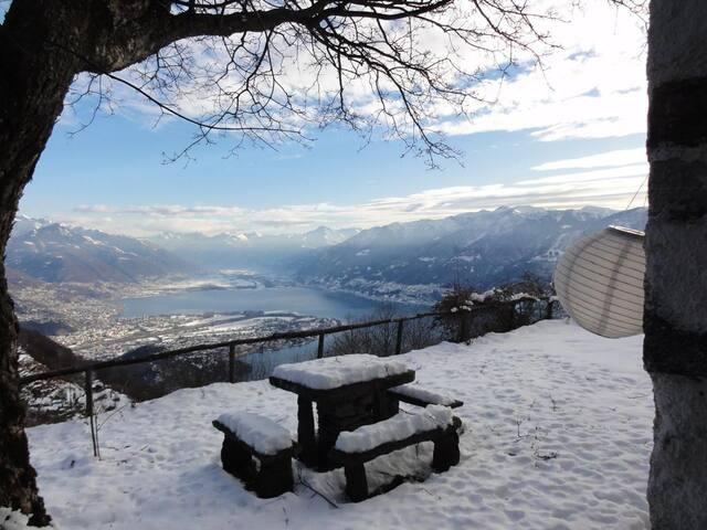 a beautiful paradise on earth