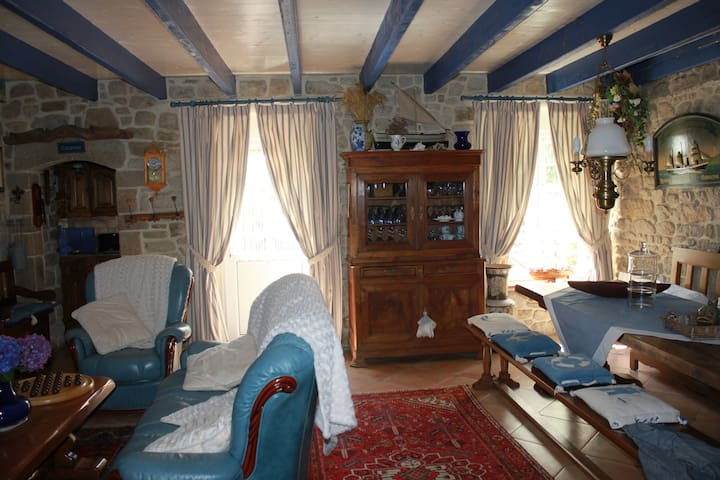 Maison de pécheur  bord Ria d'Etel