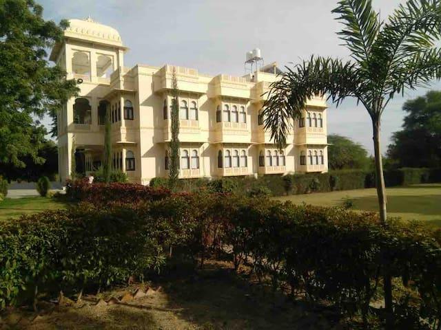 7 Rooms at Shalini Vilas