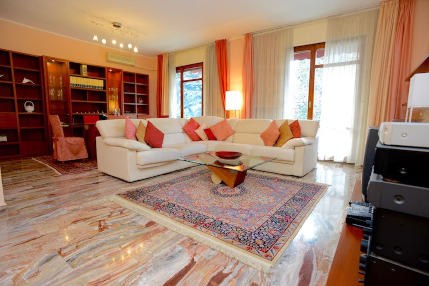 Large and bright living room