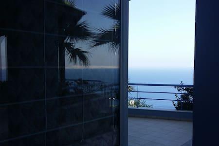 Απίστευτη θέα στο Κρητικο πέλαγος! - Iraklio  - Villa