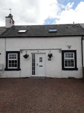 Stables Cottage By Mauchline. Family& Pet Friendly